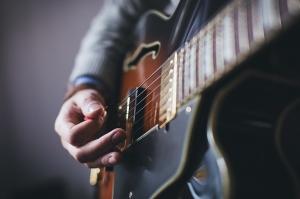 Alternate tuning guitar