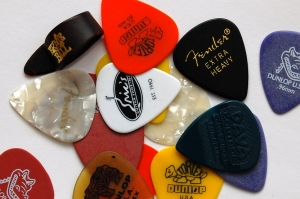 Guitar picks shapes
