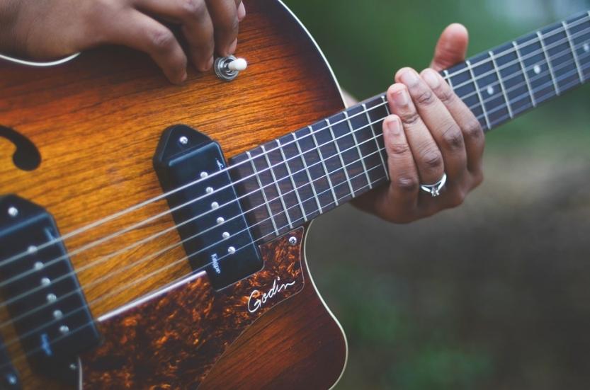 Top 5 Innovative Blues Guitarists