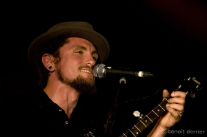 John Butler trio Alternate tunings