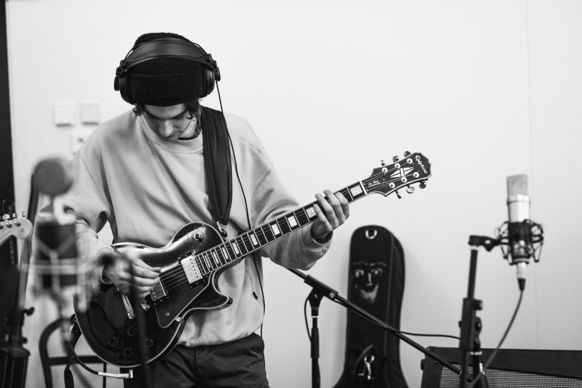 Want to Record Guitar Like a Pro? Obey These Rules!