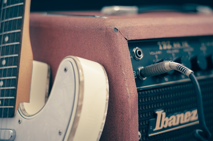 How to Record Electric Guitar at Home in 6 Steps
