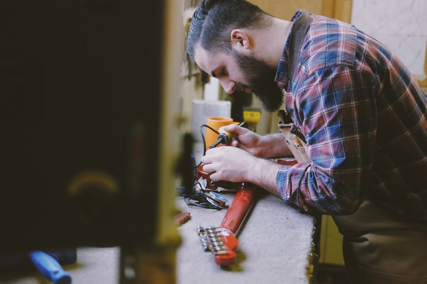 How to Set Up A New Guitar in 7 Steps